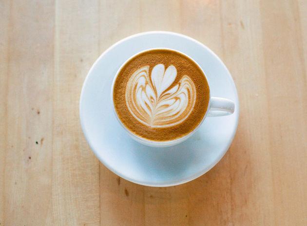 A espuma do cappuccino é perfeita para fazer o latte art
