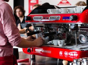 SAIBA QUAL É A MELHOR MÁQUINA DE CAFÉ PARA SUA CAFETERIA!